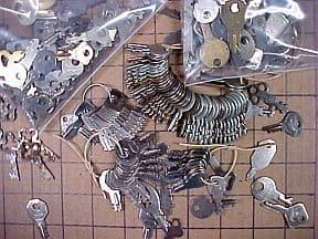 locksmtiths bournemouth keys